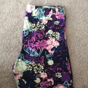 Lularoe TC floral leggings